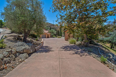 Thousand Oaks Single Family Home For Sale: 243 Rimrock Road
