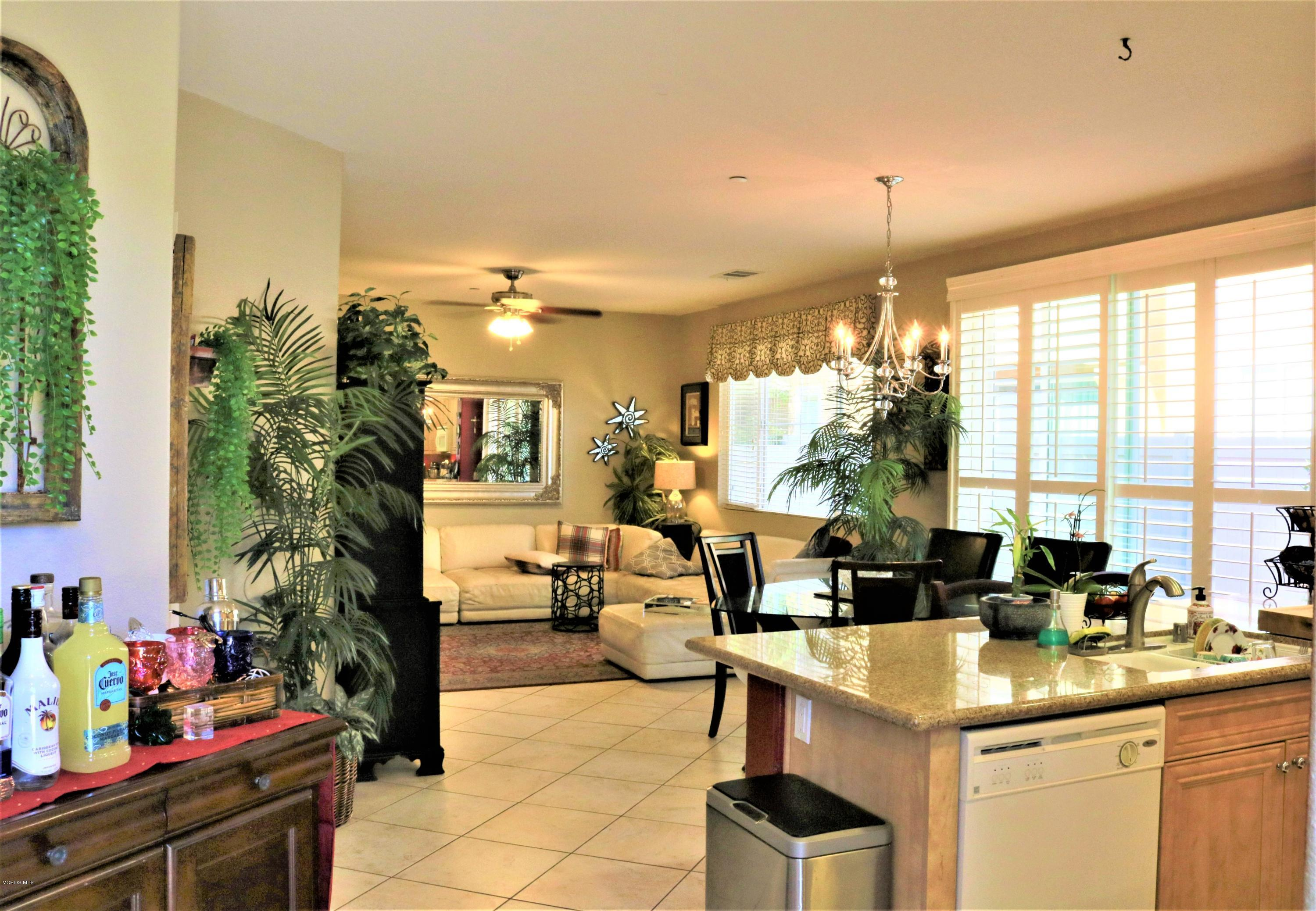 3 Bed 2 5 Baths Condo Townhouse In Oxnard For 474 900