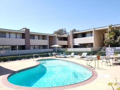 Oxnard Condo/Townhouse Active Under Contract: 1327 Edgewood Way