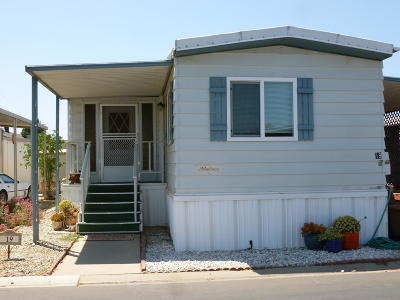 Ventura Mobile Home Active Under Contract: 19 Lilac Way