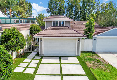 Westlake Village Single Family Home Active Under Contract: 32116 Beachlake Lane
