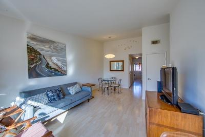 Thousand Oaks Condo/Townhouse For Sale: 1594 Charterwood Court