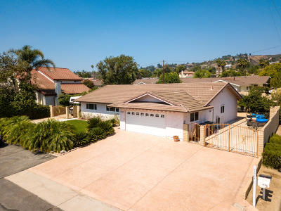Camarillo Single Family Home For Sale: 2115 Vanita Place