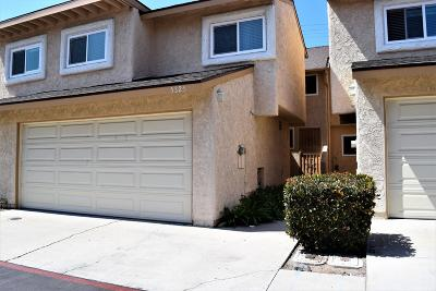 Oxnard Condo/Townhouse For Sale: 5325 Barrymore Drive #4
