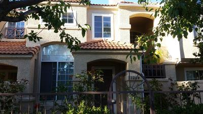 Oxnard Condo/Townhouse For Sale: 1204 Jamaica Lane