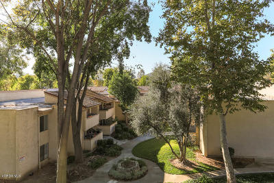 Agoura Hills Condo/Townhouse For Sale: 28915 Thousand Oaks Boulevard #296