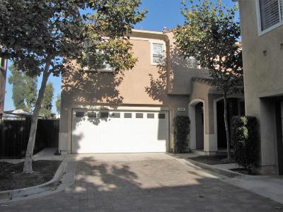 Camarillo Condo/Townhouse For Sale: 4094 Villamonte Court