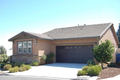 Santa Paula Single Family Home For Sale: 986 Portola Court
