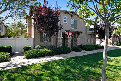 Oxnard Condo/Townhouse Active Under Contract: 3756 Jolly Roger Way