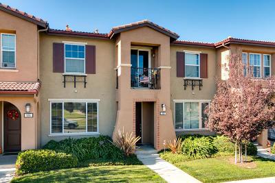 Oxnard Condo/Townhouse For Sale: 328 Big Sur River Place