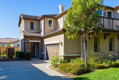 Moorpark Condo/Townhouse Active Under Contract: 6764 Ivy Creek Way