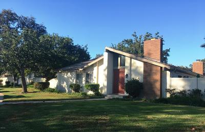 Oxnard Condo/Townhouse For Sale: 564 Holly Avenue