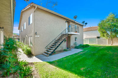 Santa Paula  Condo/Townhouse For Sale: 385 W Santa Barbara Street