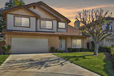 Simi Valley Single Family Home For Sale: 2720 Golf Meadows Court