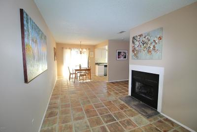 Santa Paula Condo/Townhouse For Sale: 125 E Ventura Street #E