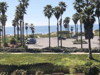 Port Hueneme Condo/Townhouse For Sale: 673 Reef Circle
