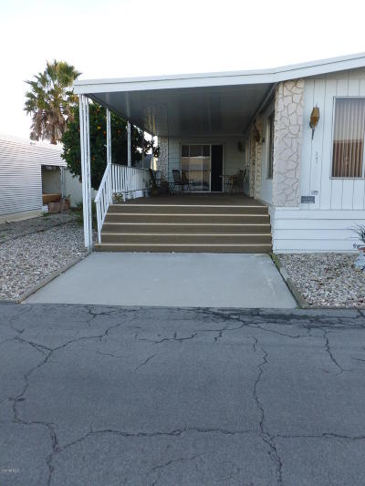 Oxnard Mobile Home Active Under Contract: 240 Borrego Court #198