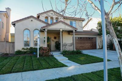 Oxnard Single Family Home Active Under Contract: 908 Navito Way