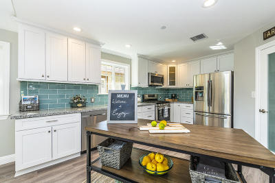 Thousand Oaks Single Family Home For Sale: 885 Masterson Drive