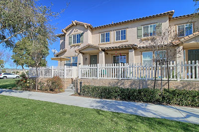 Oxnard Condo/Townhouse Active Under Contract: 745 Garonne Street
