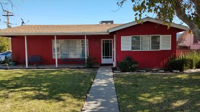 Camarillo Single Family Home For Sale: 106 Palm Drive