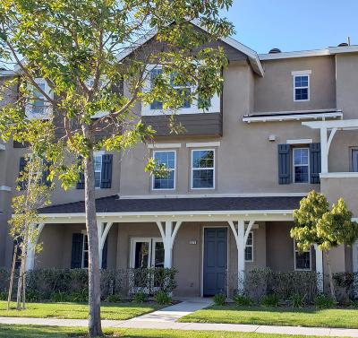 Oxnard Condo/Townhouse For Sale: 3073 Orleans Drive