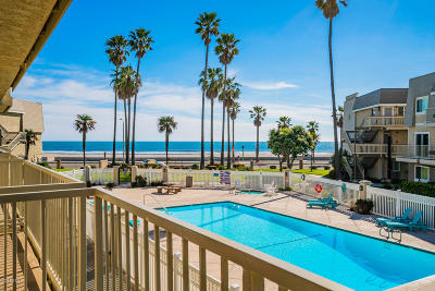 Port Hueneme Condo/Townhouse For Sale: 321 E Surfside Drive