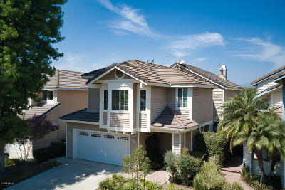 Moorpark Single Family Home Active Under Contract: 11917 Berrybrook Court