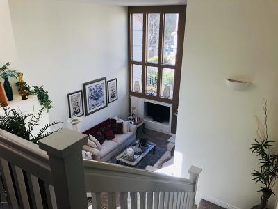 Simi Valley Condo/Townhouse For Sale: 549 Sonata Way #B
