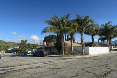 Santa Paula Single Family Home Active Under Contract: 119 Peck Place