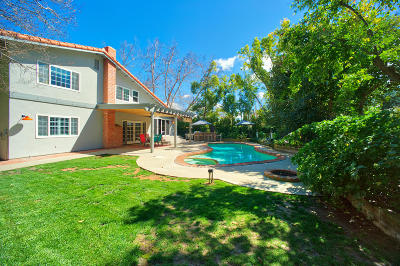 Westlake Village Single Family Home Active Under Contract: 1295 Willowgreen Court