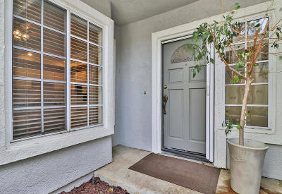Westlake Village Condo/Townhouse For Sale: 5588 Shadow Canyon Place