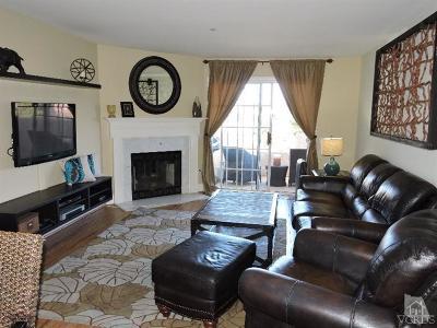 Camarillo Condo/Townhouse For Sale: 2713 Antonio Drive #203