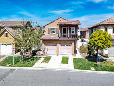 Oxnard Single Family Home For Sale: 407 Field Street
