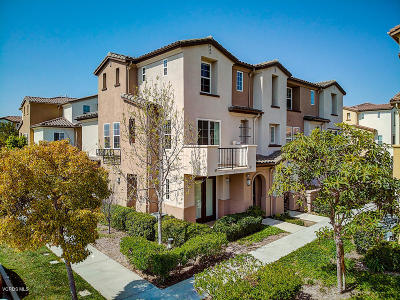Oxnard Condo/Townhouse Active Under Contract: 2801 Smoky Mountain Drive
