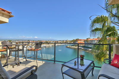 Oxnard Condo/Townhouse For Sale: 1760 Emerald Isle Way