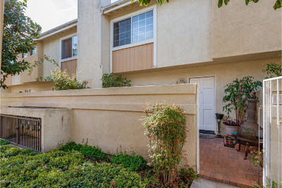 Oxnard Single Family Home Active Under Contract: 5333 Columbus Place