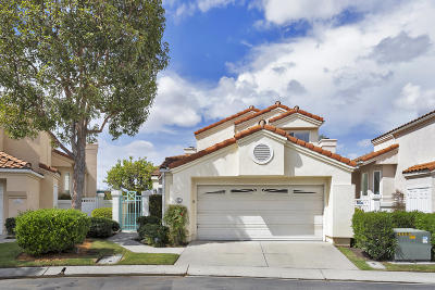 Camarillo Single Family Home For Sale: 827 Vista Arriago