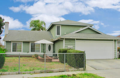 Oxnard Single Family Home For Sale: 950 Berkshire Place