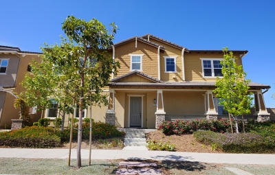 Camarillo Single Family Home For Sale: 205 Townsite Promenade