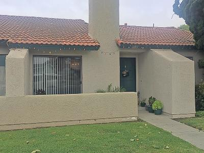 Oxnard CA Condo/Townhouse Active Under Contract: $319,000