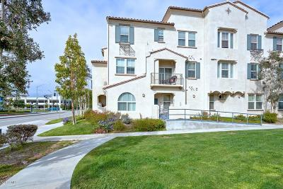 Oxnard CA Condo/Townhouse Active Under Contract: $231,730