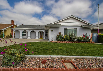 Santa Paula Single Family Home Active Under Contract: 745 Center Lane