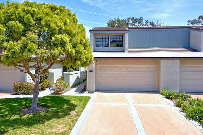 Port Hueneme Condo/Townhouse For Sale: 640 Beachport Drive