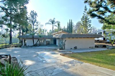 Camarillo Single Family Home Active Under Contract: 883 Calle Del Norte