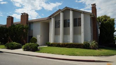 Oxnard Condo/Townhouse For Sale: 707 Ivywood Drive