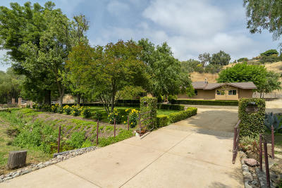 Thousand Oaks Single Family Home For Sale: 202 Sundown Road