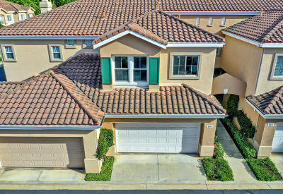 Simi Valley Condo/Townhouse For Sale: 550 Lorabel Way #B