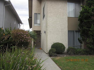 Oxnard Condo/Townhouse For Sale: 711 Ivywood Drive
