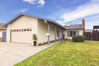 Camarillo Single Family Home For Sale: 336 Nueve Court